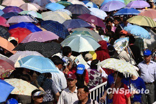 上海世博会6日入园人数超10.5万 门票脱销