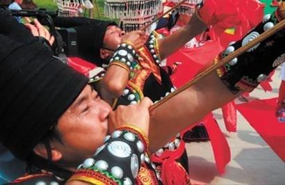 世博四川活动周开幕 天府之国展现蜀风神韵