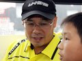 李宁为民工子弟当导游