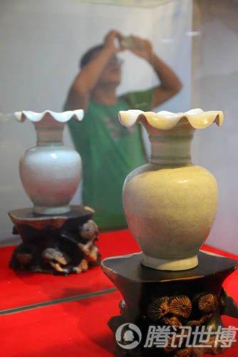 于江西馆赏景德镇青花瓷器 感受千年瓷都风韵