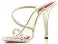 组图:世界上最昂贵高跟鞋 镶嵌2200颗钻石