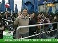 视频:石油馆游客淡定排队 最后观众将获礼品
