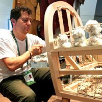 意大利馆展示王室工匠手工制沙发全程