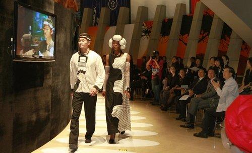 南非馆上演非洲时装秀 提前举办闭馆仪式(图)