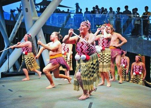 图文:新西兰馆上演原汁原味毛利战舞
