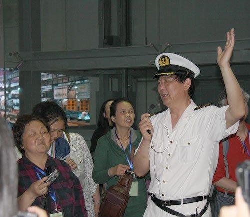 """中国船舶馆:聘""""明星船长""""当导览吸引游客"""