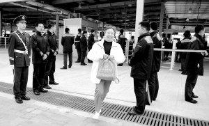 上海世博盛会最后15小时 园内精彩如第一天