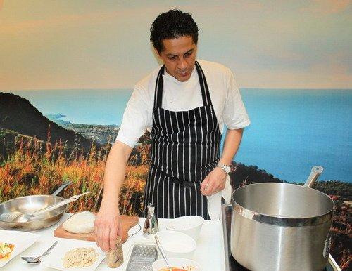 世界著名大厨助阵意大利馆 现场秀绝妙厨艺