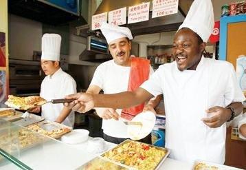 非洲厨神留恋世博乐不思蜀 梦想在上海开餐厅