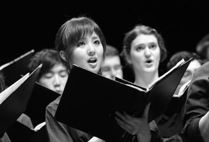 上海姑娘借世博回家首演 湖南民歌牵起中新情
