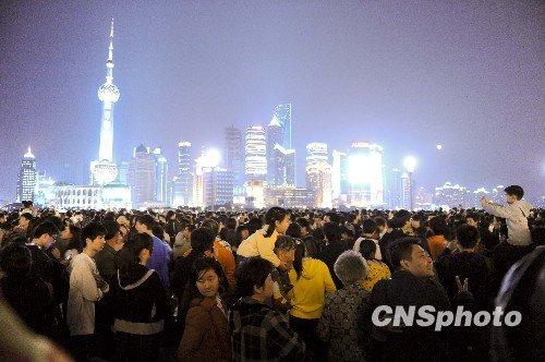 上海世博会开幕式特写:不夜上海问候世博