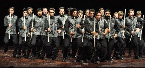 新西兰青年合唱团演绎毛利战舞中国民谣(图)