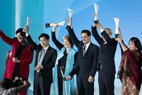 世博颁奖晚会昨晚举行 34个展馆获世博会奖项
