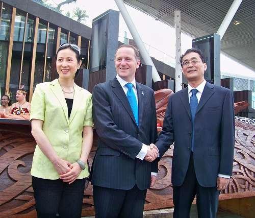 新西兰赠中国独木舟 象征友谊永远相通(组图)