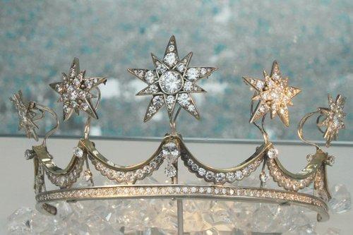 荷兰馆马克西玛王冠 见证冲破世俗眼光的爱情