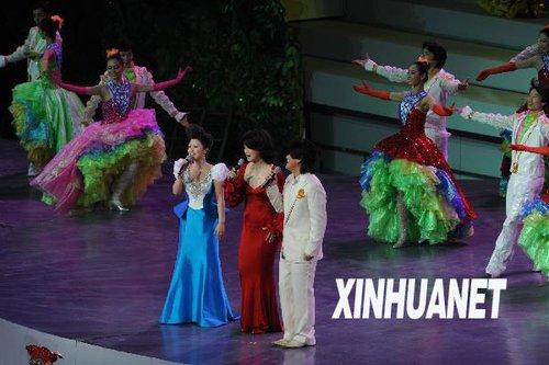 中外艺术家登世博舞台 奉献一台大型文艺表演