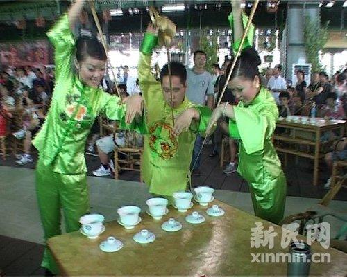 """四川活动周大戏上演 """"千壶醉茶""""演绎茶文化"""