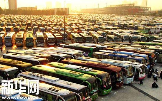 世博交通总动员备战周末高峰 客流或再达100万