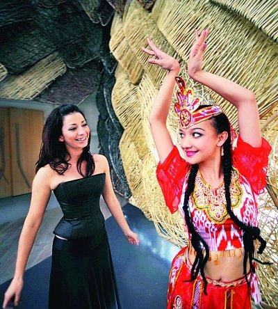 新疆女孩世博园内学跳西班牙弗拉明戈舞(图)图片
