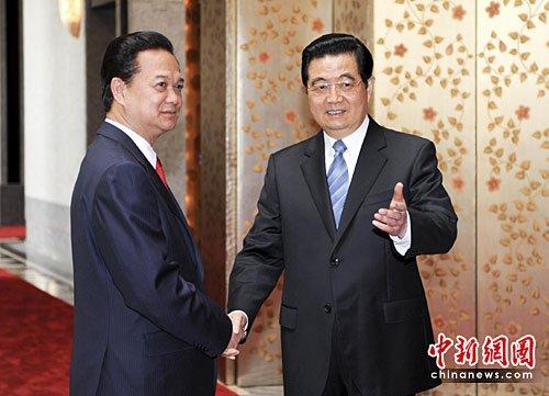 图:胡锦涛上海会见越南总理阮晋勇