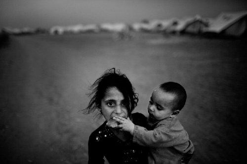 城市难民生活图片展在世博联合国馆揭幕(图)