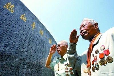 老八路老新四军战友参观中国馆 自豪祖国发展