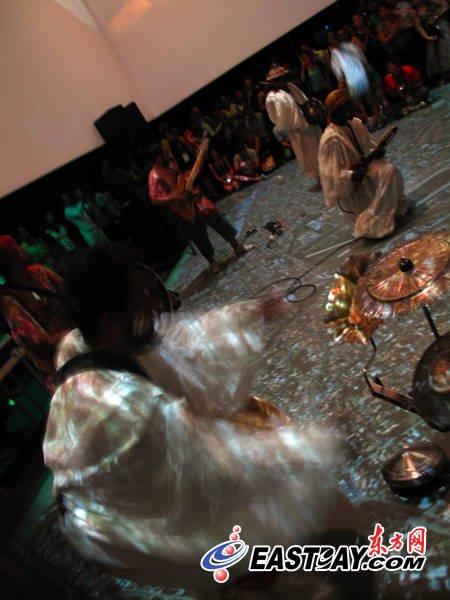 巴西馆举行世博员工派对 新西兰毛利舞团助兴