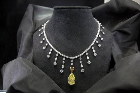 比利时馆钻石日销售10克拉 游客更愿意买裸钻