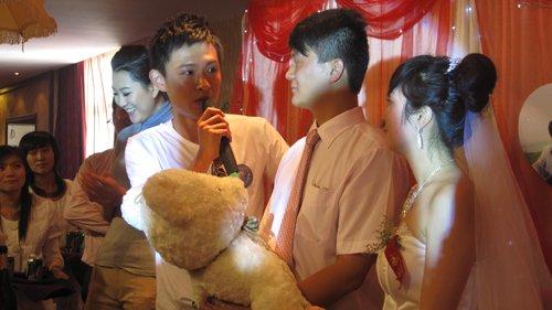 《零距先锋》队员参加婚礼 被邀成为座上宾