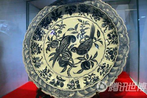 千年瓷都展国粹青花瓷 瓷乐团奏《花好月圆》