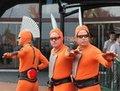 高清:澳大利亚馆外搞笑表演 引众游客围观