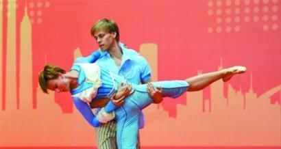 芬兰国家馆日芭蕾舞团等献艺 芬兰总统出席
