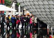 4000万:开园第105天 高温吓不退游客的执着