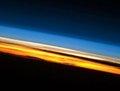 组图:震撼太空图片精选 五彩的地球大气层