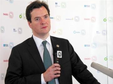 英财政大臣参观英国馆 借世博重游上海感慨多
