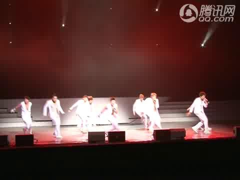 视频:SuperJunior亮相世博 助阵韩国音乐节