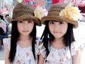 高清:超萌台湾明星双胞胎萝莉游世博