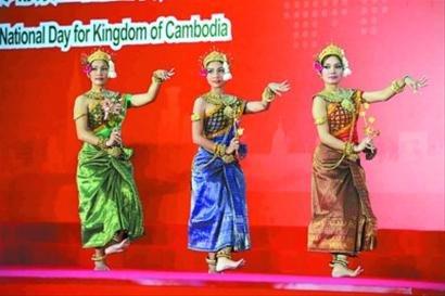 柬埔寨国家馆日 柬式舞蹈带来淳朴之风(图)