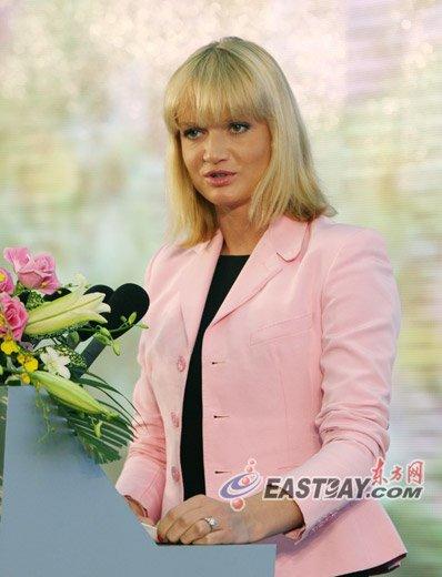 体操皇后霍尔金娜:俄罗斯注重发展青年创业