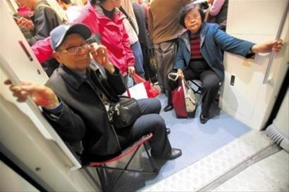 世博期间11条轨交运营时间确定 建议避峰入园