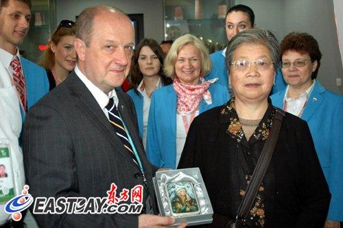 俄罗斯馆百万位游客获赠价值3000元漆器木盒