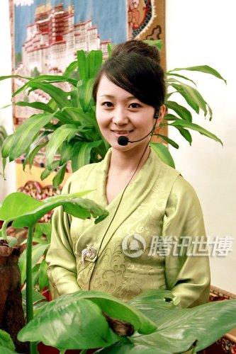 西藏馆讲解员原是旅游大使 每日被拍百次(图)