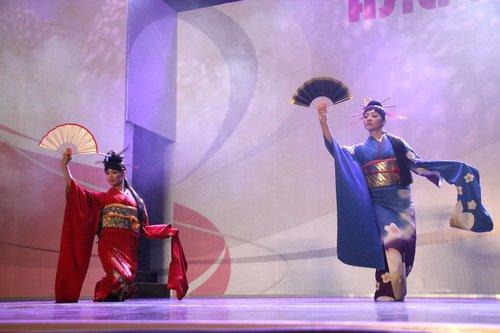 日本模特秀70万天价和服 曾经只为贵族表演