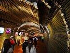 高清:上海世博会印尼馆 打造竹子的世界