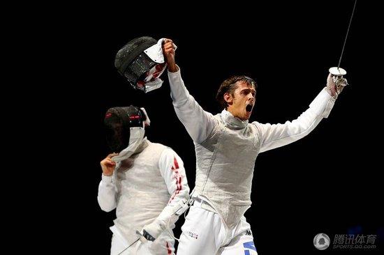 男花团体意大利险胜日本夺冠 德国克美国摘铜