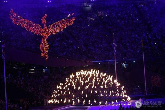 罗格宣布伦敦奥运闭幕 伦敦碗成摇滚演唱秀场