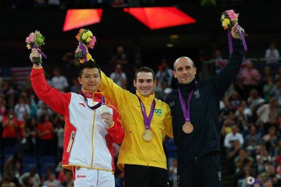 体操吊环陈一冰遗憾摘银 无缘蝉联奥运金牌