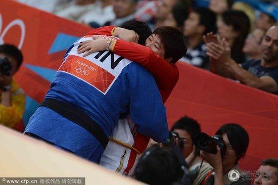 女柔78KG以上级佟文斩获铜牌 一本胜巴西选手
