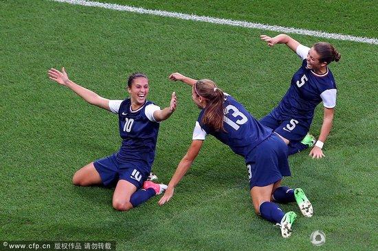 女足-美国2-1胜日本夺金 完成奥运三连冠霸业