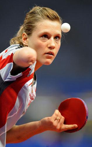 波兰独臂女将只手闯奥运 乒坛维纳斯震惊世界